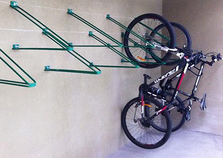 Bicicletero colgante vel polis bicicleteros - Pintar llantas bici ...