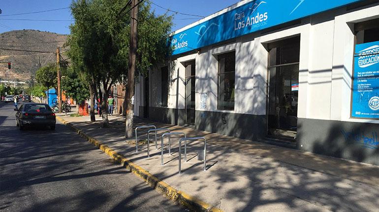 Bicicletero V01. Capacidad del proyecto 40 bicicletas. Ilustre Municipalidad de LLay-LLay