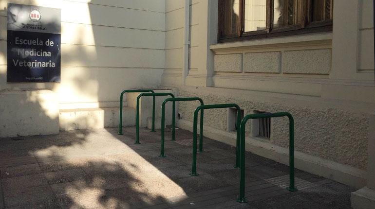 Bicicletero V01 encadenado